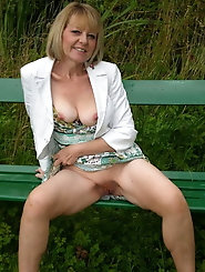 Mature and Grannys 040