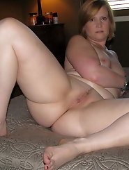 Dissolute older mom with sloppy cunt